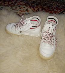 Zara boys 31-es cipő