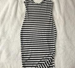 Fekete-fehér csíkos midi ruha
