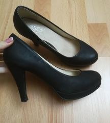 Magassarkú cipő 38