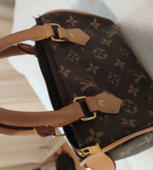 Használt Louis Vuitton táska eladó