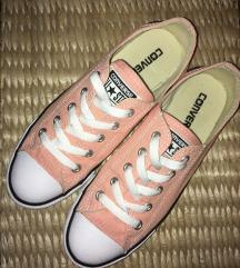 Converse barackszínű tornacipő 37