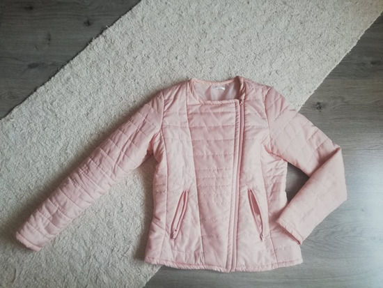 Halványrózsaszín kabát