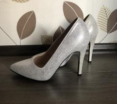 Magassarkú cipő(POSTAKÖLTSÉGGEL)