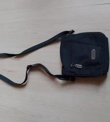 Fekete kis táska