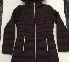 Steppelt kapucnis hosszú női kabát új