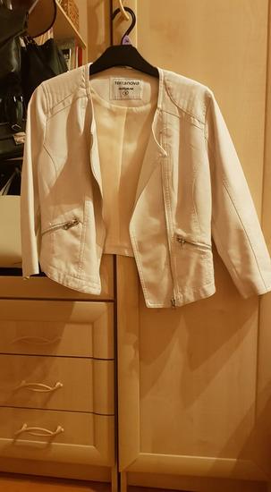 Bézs rövid kabát