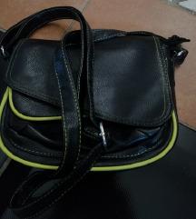 Kis méretü táska