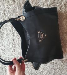 Újszerű guess táska /Foglalva/