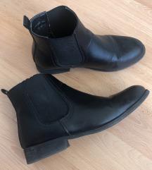 Fekete chealse boots