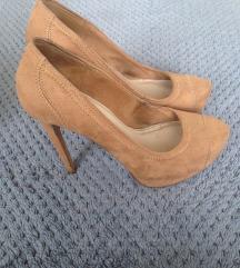Bershka barna cipő 39-es méretben