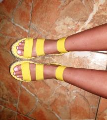 Sárga szandál