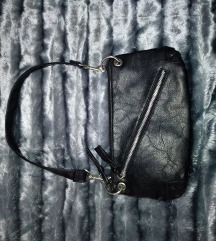 Pici fekete táska