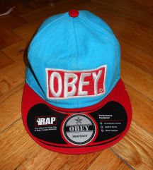 Piros-kék Obey sapi