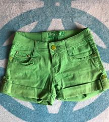 Zöld rövidnadrág eladó