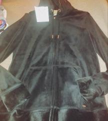 Selymes fekete pulcsi
