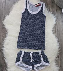 Címkés rövid pizsama szett