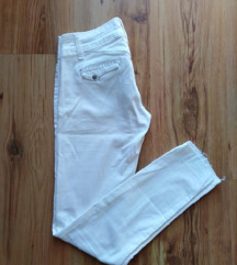 Fehér skinny nadrág