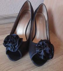 Szatén fényű alkalmi cipő