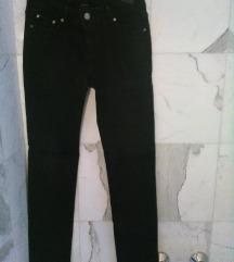 fekete sztreccses nadrág