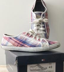 Tommy Hilfiger vászon cipő 39/40-es