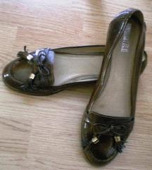 Pier One bordósbarna gyönyörű lakk bőr cipő