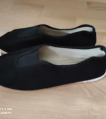 Dechatlon-os fekete vászon cipő