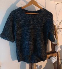 szürke kötött pulcsi