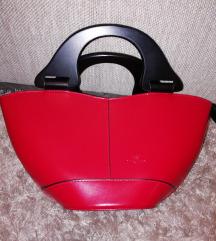 Új meggypiros táska