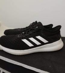 Adidas 37-es cipő