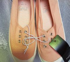 F&F rózsaszín tornacipő csuka(ingyen posta