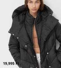 Stradivarius steppelt kabát