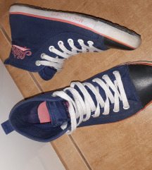 Retro tornacipő 37