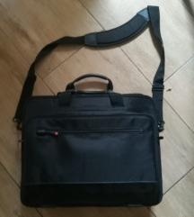 Utazó laptop táska, külön kis töltő tartóval