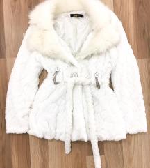 Fehér szőrme alkalmi kabát