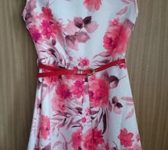 Pirosas virág mintás ruha