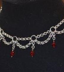 Láncos nyaklánc vörös gyöngyökkel