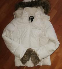 Fehér téli kabát