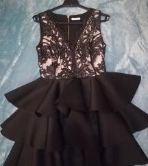 Fekete-fehér csipke ruha