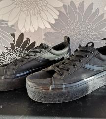 Fekete platform tornacipő