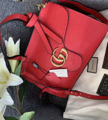 Gucci piros bőrtáska