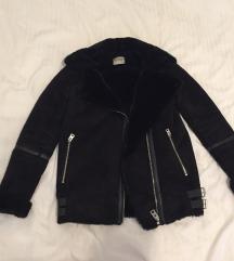 Foglalt - Pull&Bear fekete téli dzseki