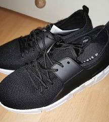 Női sportcipő fekete 38