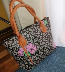 Egyedi nőies táska, 2020as modell, vadonatúj.