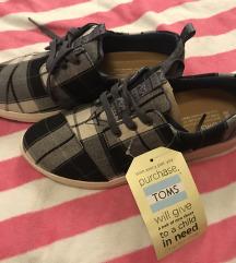 Új Toms cipő