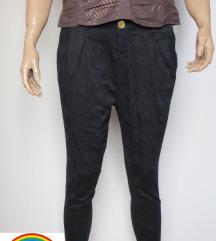Új cimkés Stradivarius fekete virág mintás nadrág