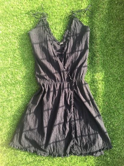 Új címkés Sisley kétrétegű madeira csipkés ruha