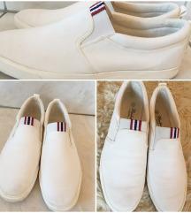 Fehér férfi cipő
