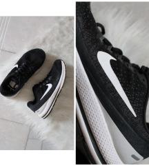 Eredeti Nike Zoom Vomero 13 női sport cipő