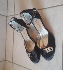 Eladó fekete alkalmi cipő!