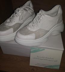 Eladó 39es cipő